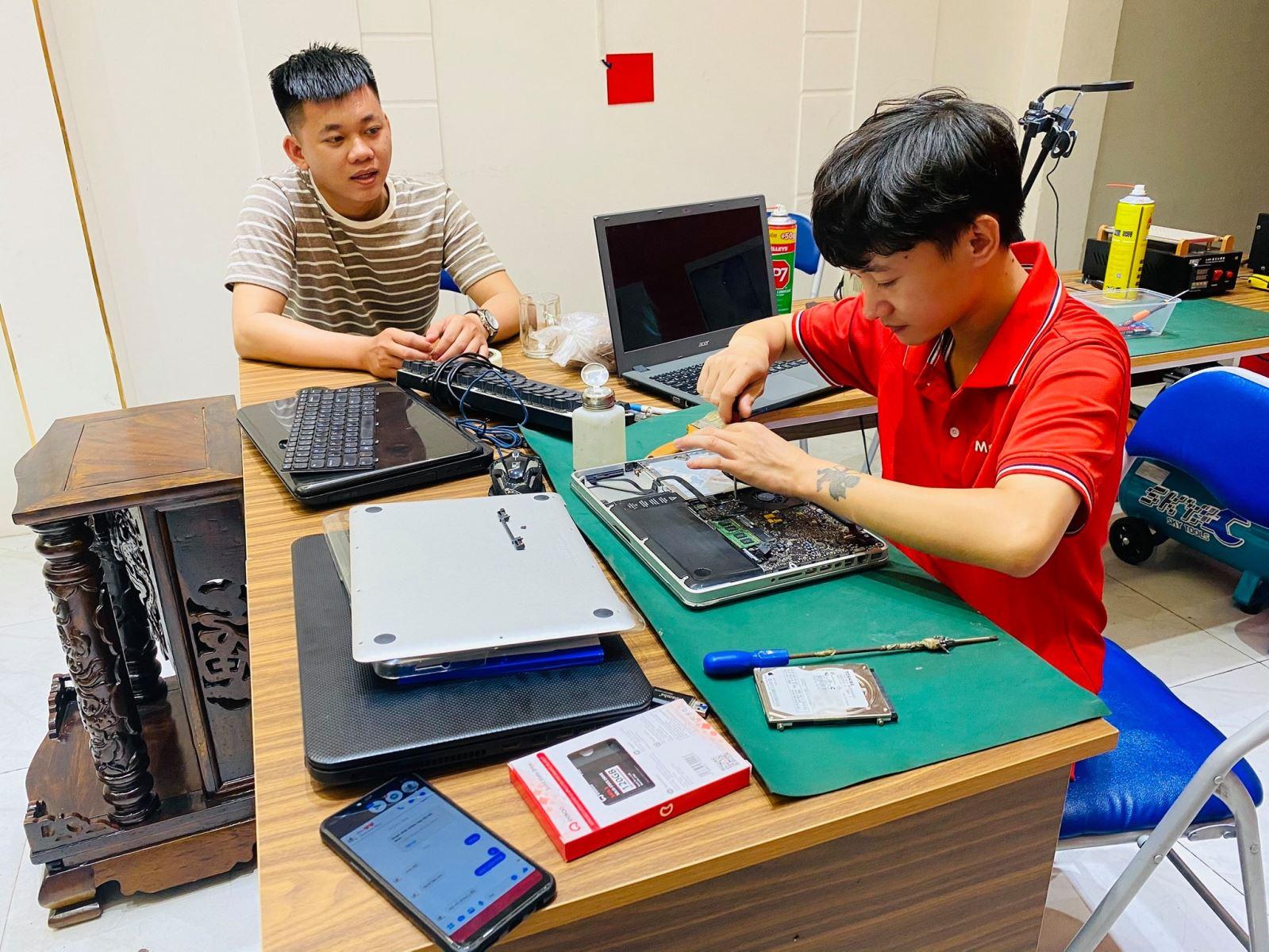 Sửa chữa laptop giá rẻ phú nhuận